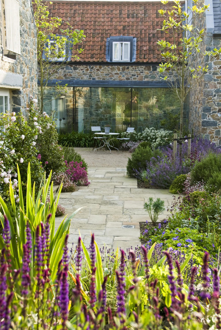 Garden Inspiration with Natural Yorkstone