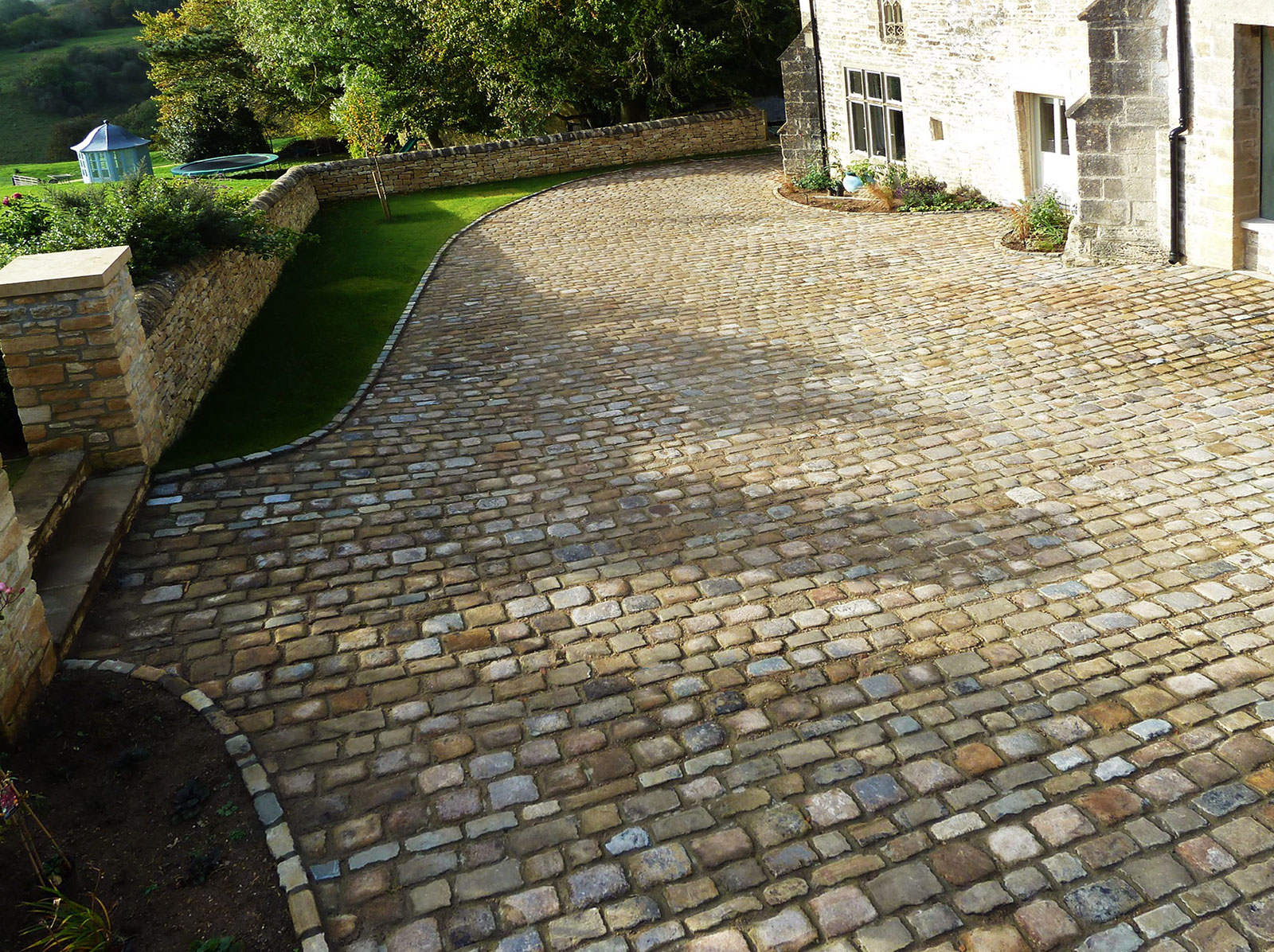 reclaimed Yorkstone setts for driveway